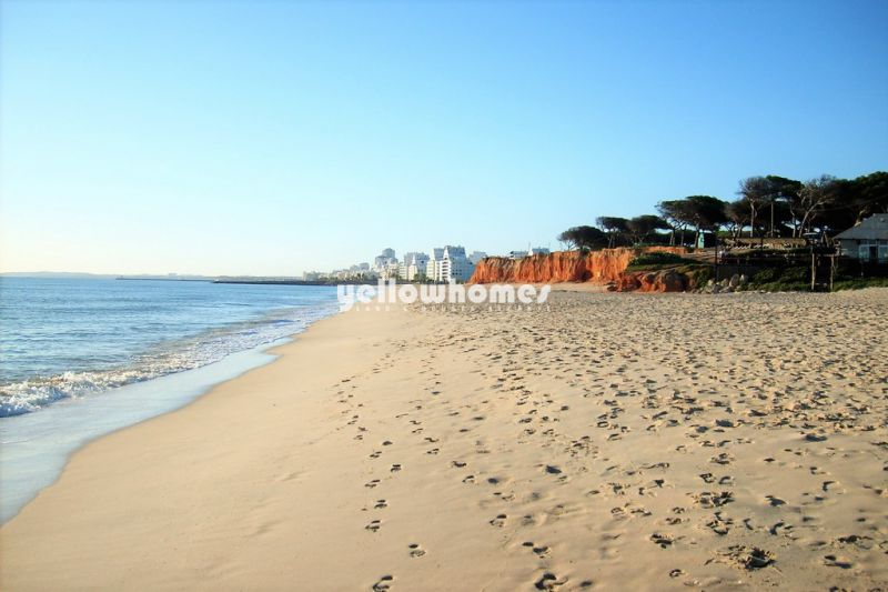 Contemporary living near the beach, brand new 2-bed apartments Central Algarve